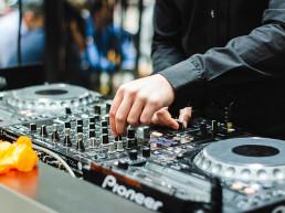 Moments Notice & Company DJ
